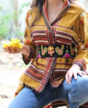 Mor Bagh Hand Embroidered Waist Belt By Qurcha