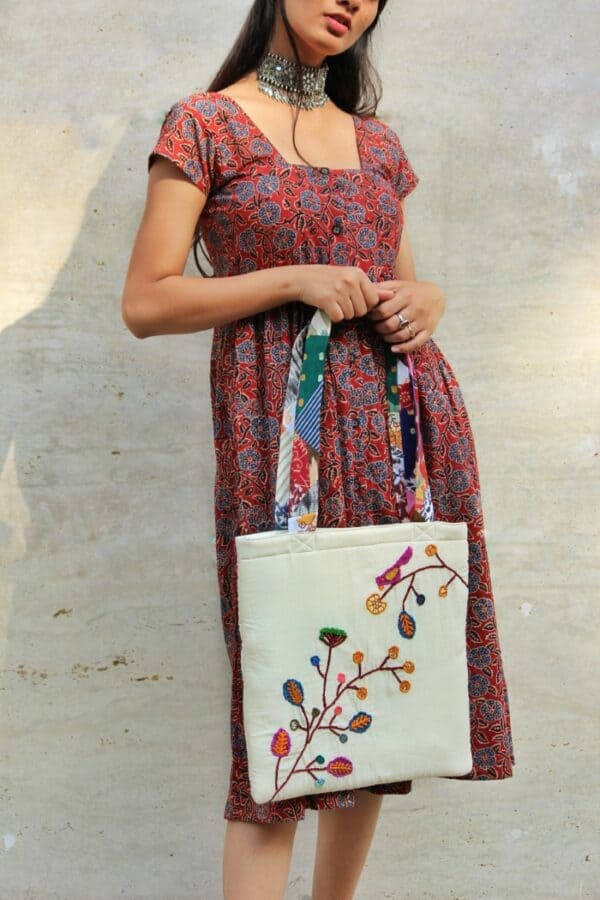 Secret Garden Tote Bag By Qurcha